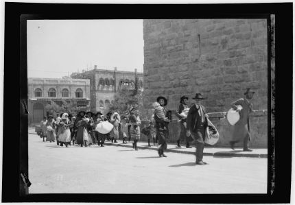 Jews fleeing Jerusalem 1929