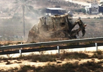 IDF digging vehicles searching for Hezbollah tunnels (via Jerusalem Post