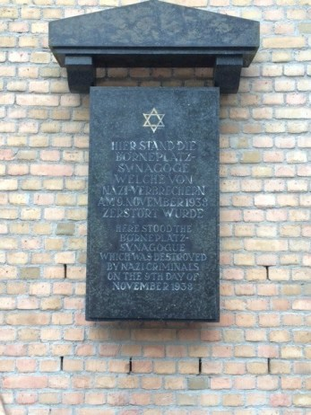 Frankfurt Bornerplatz shul memorial plaque