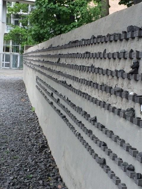 Frankfurt cemetery stones