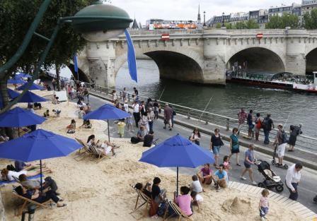 Paris plages sur Seine 2015